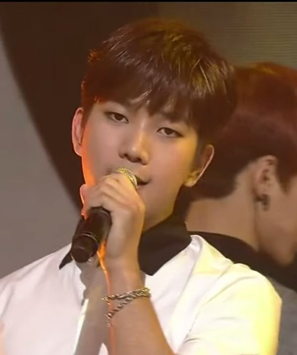 2015-06-18 13_22_00-150618 MBLAQ (엠블랙) - MIRROR (거울) @ M! Countdown - YouTube